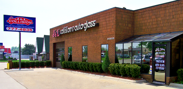 J l collision and auto glass inc for Jl builders